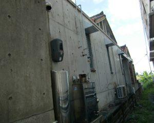 クラックの補修やコンクリート全体の表面被覆(無機質)工法で風合いを取り戻す