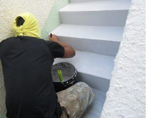 階段のコンクリートクラック(ひび割れ)補修と再発防止
